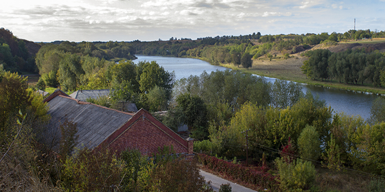 נהר הבוג המשתקף מציונו של רבי נתן מברסלב